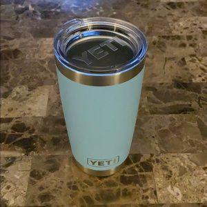Yeti Other - Yeti 20oz Rambler In Sky Blue